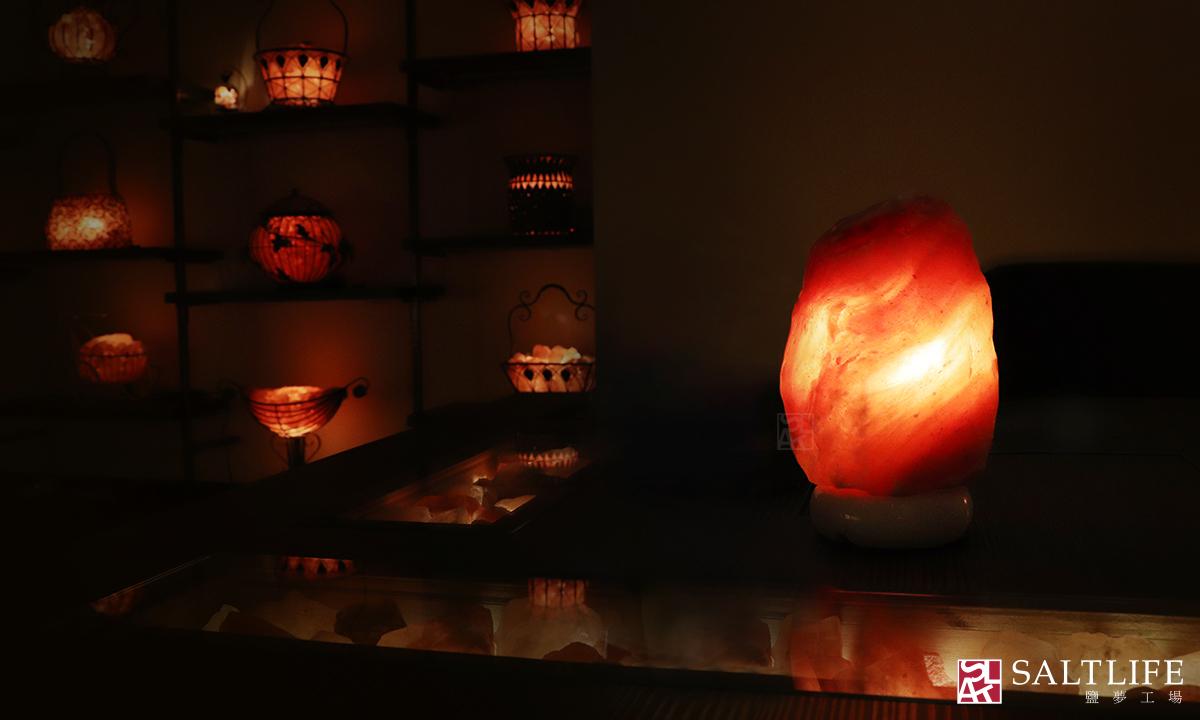 鹽燈,鹽晶,台北鹽燈,鴿血紅,玫瑰鹽燈,燈飾